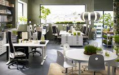 BEKANT vergadertafel | IKEA IKEAnl IKEAnederland bureau inspiratie wooninspiratie interieur wooninterieur kantoor werk werken studeren student studenten RANARP bureaulamp werkkamer studentenkamer kamer ALEX ladeblok MARKUS bureaustoel