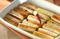酢ではなく、レモンの酸味でサッパリと。パスタやパン、サーモンやチーズを添えておつまみにアレンジしてもOK。作り置きネギのマリネ/池田 絵美のレシピ。[洋食/サラダ]2014.09.22公開のレシピです。