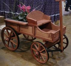 Amish Old Fashioned Buckboard Wagon - Medium Premium Wagon & Wheelbarrow Collection Change your garden landscape with this fully-functional premium wagon! Handcrafted from fine woods and (Cool Crafts With Wood) Popular Woodworking, Woodworking Jigs, Woodworking Furniture, Woodworking Projects, Woodworking Equipment, Woodworking Patterns, Woodworking Machinery, Woodworking Magazine, Woodworking Supplies