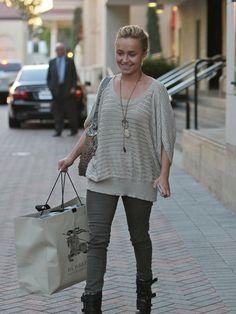 http://photos.posh24.com/p/1084101/l/street_style/street_style_star_style_straight_off_the_street_2011-02-10.jpg