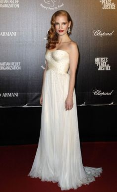 Jessica Chastain channelled old Hollywood glamour in Armani Privé.     Few Armani Collections at http://www.luxebutik.com/armani-m18 and designer dress at http://www.luxebutik.com/designer-dress-women-c9