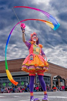 Cool pictures of clowns Circus Costume, Circus Clown, Circus Theme, Circus Acts, Clown Pics, Cute Clown, Cool Pictures, Cool Photos, Female Clown