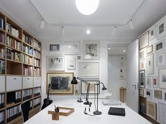 My Dream Library: Extensive Collection of Art and Books Adorning the F5 Apartment in Stuttgart