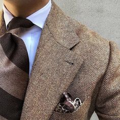 Shibumi - handmade ties & other accessories - made — wearing our Brown / Beige. Sharp Dressed Man, Well Dressed Men, Mens Fashion Suits, Mens Suits, Style Gentleman, Brown Suits, Style Outfits, Elegant Man, Winter Mode