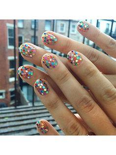 Nail Art - Rainbow confetti - 28 Instagram Nail-Art Ideas That Will Make You Smile   allure.com