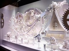 10 of Interesting Christmas Window Displays in here Galeries Lafayette, Paris Christmas Shopping, Christmas Fun, Holiday Fun, Paris Christmas, Christmas Decorations, Xmas, Christmas Store, Holiday Crafts, Design Food