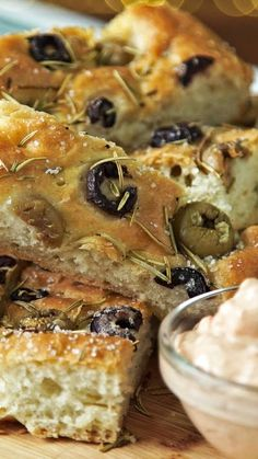 El pancito ideal para dippear Tapas Recipes, Italian Recipes, Appetizer Recipes, Cooking Recipes, Focaccia Bread Recipe, Salty Foods, Puff Pastry Recipes, Pan Bread, International Recipes