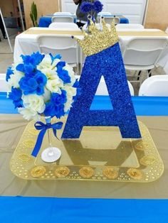 Royal blue baby shower decorations table supplies and gold centerpieces sh . Deco Baby Shower, Boy Baby Shower Themes, Baby Shower Table, Shower Party, Baby Shower Parties, Baby Boy Shower, Baby Shower Gifts, Royal Baby Shower Theme, Royal Theme