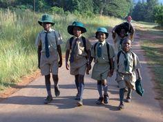 #Zainetto | Regali solidali | Superegali    Per portarsi dietro tutto il necessario sempre    tanti bambini, come Shebnet, Tatenda, Ashween e Malachi in Zimbabwe,  hanno bisogno di un bello zainetto per portare a scuola tutto il necessario per seguire al meglio le lezioni.    Regala questa opportunità