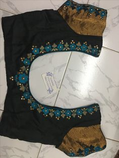 Sudhasri hemaswardrobe Wedding Saree Blouse Designs, Pattu Saree Blouse Designs, Blouse Designs Silk, Designer Blouse Patterns, Hand Work Blouse Design, Simple Blouse Designs, Sari Design, Saris, Velvet Dress Designs