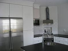 Stylish black and white IKEA METOD LAXARBY kitchen on JenkaHouse