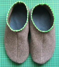 sew green: Recycled Slipper Tutorial  Make with wool felt line with soft fleece and embellish  with felt flowers