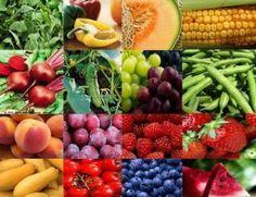 I cibi drenanti sono quelli più ricchi d'acqua e che, dunque, favoriscono la diuresi.Via libera quindi a frutta (in particolare albicocche, ananas, arance, centrifugati di frutta, frutti di bosco, kiwi, lamponi, mirtilli, pesche, prugne, succo d'arancia), verdura e ortaggi (asparagi, barbabietole, carciofi, carote, cavolfiori, finocchi, peperoni rossi, spinaci) e bevande diuretiche come tisane e the verde, da assumere preferibilmente a stomaco vuoto per aumentarne l'effetto drenante e…