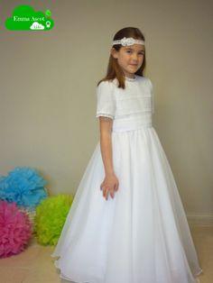 Modelo Natalia, vestido de organza.