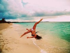I wanna take cool pictures at the beach...But I can't do this so...