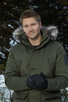 """Find out about the cast of the Hallmark Channel Original Movie """"Love in Winterland"""" starring Italia Ricci, Chad Michael Murray, and Jack Turner. Brooke And Lucas, Lucas Scott, Gilmore Girls, Boy Celebrities, Celebs, Chad Micheals, Jack Turner, Aidan Turner, Man Candy Monday"""