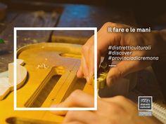 """""""La mano è il vero organo della civiltà, iniziatore dell'evoluzione umana"""" (Ernst Fischer)  Se il Distretto culturale della provincia di Cremona fosse una parte del corpo sarebbe una mano, che si muove con uguali cautela e decisione, che accarezza e incide. Perché l'amore è cura e le persone del distretto amano quello che fanno.  #distretticulturali #discover #provinciadicremona"""