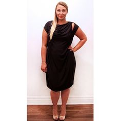 Looking for a chic summer dress? Try this charcoal grey peephole dress by @carmakoma for a wedding, bachelorette or fancy date night!  #plussize #plussizefashion #plussizestyle #psfashion #psstyle #psblogger #fatshion #effyourbeautystandards #honormycurves #curves #curvy #torontofashion #primaala #beautyislimitless #plussizeootd #psootd #curvesarein #beautybeyondsize #lovetheskinyourein #chic #dress #peephole #charcoalgrey