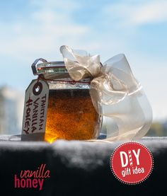 Homemade Tahitian Vanilla honey makes a great Do-It-Yourself gift. A cute little container, some festive ribbon and you've got a sweet gift for your favorite tea drinker in just minutes. Vanilla Tea, Diy Holiday Gifts, All Gifts, Going Home, Fun Diy, Tahiti, Popcorn Maker, Giveaway, Honey