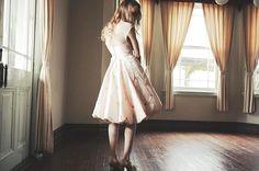 works with silk organza and butterfly embroidered silk dupion .  Sesay bridal wear Japan *Kobe Motomachi show room* OPENING on the 30th of October . 10月30日(日)セセイと姉妹ブランドノットの神戸元町ショールームをオープンいたします:) 神戸市中央区栄町通3-1-11 乙仲アパートメント3F 12:00-18:00 . 30日(日)31日(月)はお披露目日となっておりますので、どなた様でもお気軽にお立ちよりくださいませ:) . Photography by Atsushi Meguro Hair : Shuichi Shiroyama  Make : Chitose Mitsubayashi Model : Sasha . #wedding #weddingdress #photography #sesaybridalwearjapan #madetomeasure #bespoke #fashion #bridal…