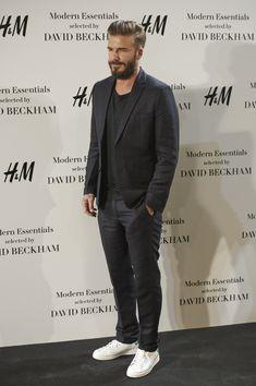 David Beckham in H&M Bluza gri cu anchior dublu si restul le am!!!