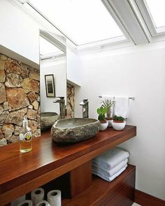stone sink Stone Sink, Wood Stone, Industrial Kitchen Design, Old School House, Unusual Homes, Interior Decorating, Interior Design, Living Room Lighting, Dream Decor