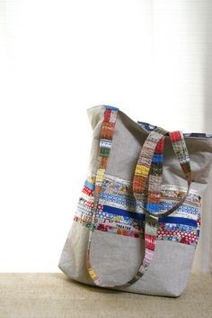 tote with linen and cotton- This is a great bag & great idea for using up the salvages of fabric!-LS