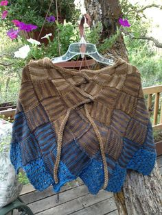 Entrelac Cape... love entrelac knitting... will have to try this next