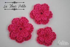 free crochet flower pattern ~la fleur petite~ its very easy for beginners too Crochet Leaf Patterns, Crochet Leaves, Applique Patterns, Crochet Motif, Knitting Patterns, Crochet Stitches, Knit Crochet, Crochet Crafts, Easy Crochet
