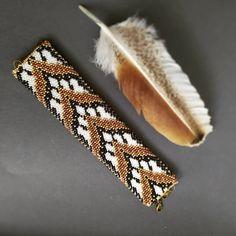 6 отметок «Нравится», 2 комментариев — Юлия Руфятовна (@iuliiarufiatovna) в Instagram: «Широкий браслет из чешского бисера по замечательной схеме Атлантис от @solardream_crochet…»