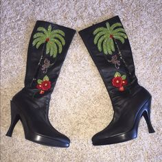 LEATHER KNEE BOOTS BEAUTIFUL JUNGLE BEAD WORK sz8 Beautiful soft black leather knee boots  small platform adorned with the most gorgeous beadwork of a jungle theme in perfect perfect condition worn once no beads missing like new bought from a  boutique in a Las Vegas hotel SZ 8 inside zip Shoes Heeled Boots