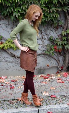 Fast das letzte Herbstoutfit - eins gibt es noch in 2014! Pullover: sieh-an!, Rock: H&M, Schuhe: Levi's, Kette: MANGO ... mehr auf www.advance-your-style.de
