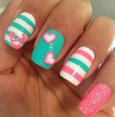 """If you're unfamiliar with nail trends and you hear the words """"coffin nails,"""" what comes to mind? It's not nails with coffins drawn on them. Although, that would be a cute look for Halloween. It's long nails with a square tip, and the look has. Fancy Nails, Love Nails, Diy Nails, Pretty Nails, Pretty Toes, Nagellack Design, Nagellack Trends, Green Nail Art, Green Nails"""
