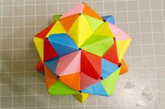 Stellated icosahedron made from Sonobe modules. These can also be used to make lots of other different shapes.