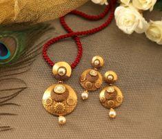 Manubhai Jewellers 22K Jadau Pendant Set