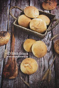 Paine din seminte - Edith's Kitchen Edith's Kitchen, Tasty, Yummy Food, Strudel, Hamburger, Muffin, Keto, Mai, Breakfast