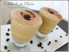 Crema fredda al caffè, un dolcetto al cucchiaio ideale come fine pasto nelle calde serate estive. Molto ringrescante!