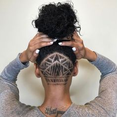 Undercut Hairstyle With Shaved Nape Designs Undercut Hairstyles Women, Undercut Women, Side Hairstyles, Shaved Hairstyles, Wedding Hairstyles, African Hairstyles, Men's Hairstyle, Medium Hairstyles, Trendy Hairstyles