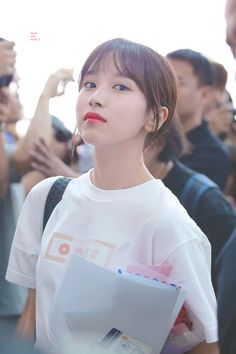 Find images and videos about twice, mina and myoui mina on We Heart It - the app to get lost in what you love. Nayeon, Kpop Girl Groups, Korean Girl Groups, Kpop Girls, Rapper, Sana Momo, Jihyo Twice, Chaeyoung Twice, Twice Kpop