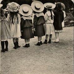 vintage little girls in hats