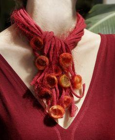 Collier-Echarpe Fleurs de feutre
