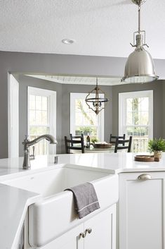 Cramped kitchen gets the bright white treatment. Home Design, Modern Interior Design, Interior Design Inspiration, Design Ideas, Boho Kitchen, Kitchen Decor, Kitchen Ideas, Kitchen Sinks, Kitchen Trends
