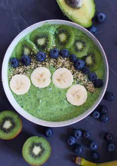 Greenie med Spinat og avocado - Juice Smoothie, Smoothie Drinks, Low Carb Recipes, Healthy Recipes, Avocado, Overnight Oats, Yummy Eats, Protein Shakes, Healthy Cooking