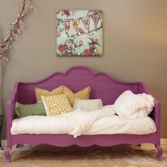 Newport Cottages Hilary Daybed. #laylagrayce #newportcottages