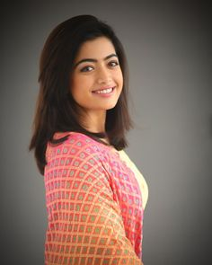 Actress Rashmika Mandanna Cute Stills, Geeta Govindam actress Rashmika beautiful stills, Rashmika Mandanna photoshoot, Rashmika Mandanna wallpapers Beautiful Girl Photo, Beautiful Girl Indian, Most Beautiful Indian Actress, Beautiful Actresses, Beautiful Girl Drawing, Beautiful Models, Simply Beautiful, Animals Beautiful, Blonde Actresses