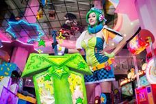 Arcade Riven from League of Legends  Cosplayer: SugarBunny   Photographer: GiantShev Photography
