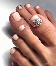 trendy Ideas french pedicure toes diy – Flash those nails! Cute Toe Nails, Toe Nail Art, Pretty Nails, French Tip Nail Designs, French Tip Nails, Wedding Pedicure, Wedding Nails, Toe Nail Designs, Perfect Nails
