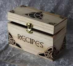 Celtic Triquetra recipe box...this would be perfect in my Irish-themed kitchen!