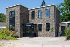 Nieuwbouw woning Strijp R door Broeren|Das bouwbedrijf. Industrial house