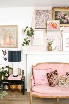Vintage Decor Living Room how to create the prettiest feminine mantle - Read on for some expert tips on how to create an eclectic-vintage accent wall in your home… My Living Room, Home And Living, Living Room Furniture, Living Room Decor, Kitchen Living, Staging Furniture, Furniture Design, Room Kitchen, Living Spaces